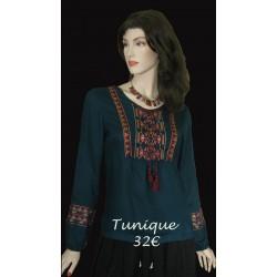 Tunique à empiècement