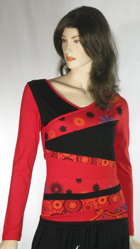 Tee-Shirt bandes triangulaires fleurs