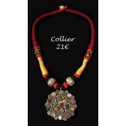 COLLIER AGATES